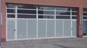 oblepvane vitrini s perfo folio